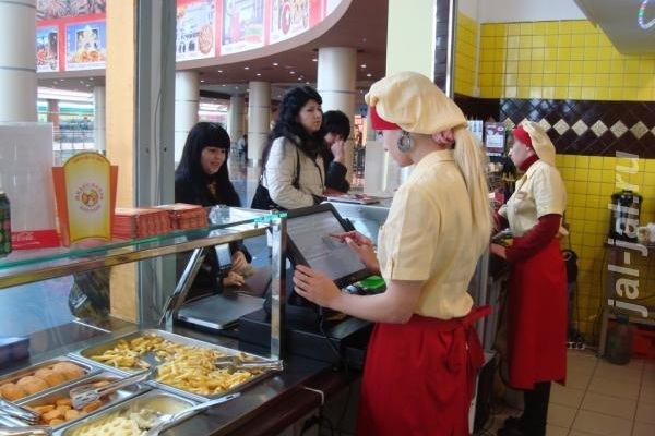 Магазины и кафе усилят дезинфекцию для профилактики коронавируса