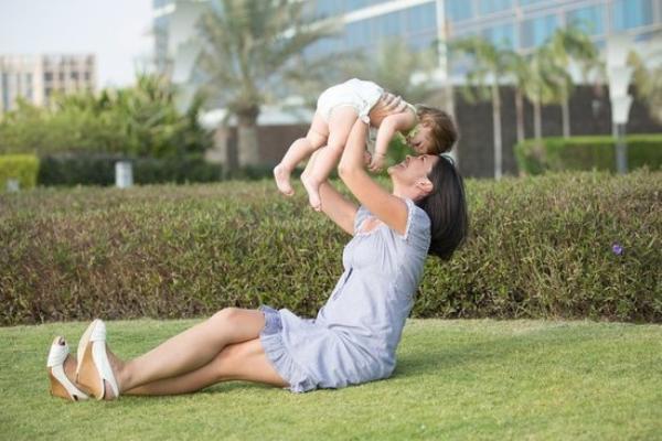Маткапитал и соцвыплаты на детей начнут выдавать по заявлению