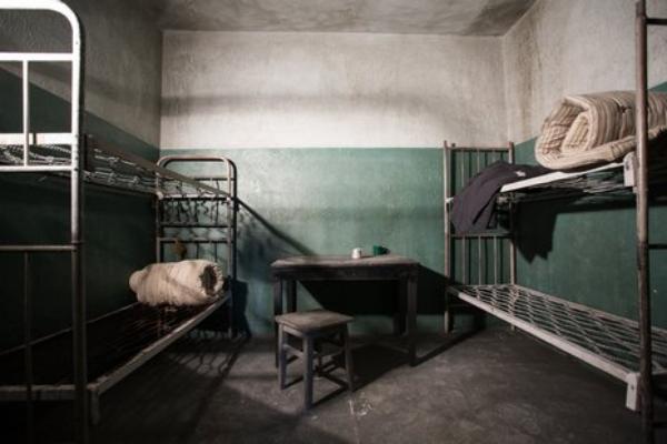 Осужденный мужчина разгромил камеру и санузел в тамбовской колонии