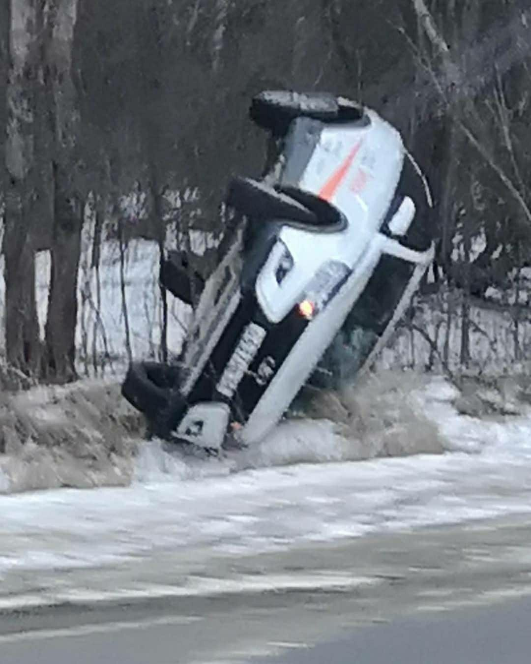 """Работник автосалона на """"Ладе"""" перевернулся на Рассказовском шоссе"""