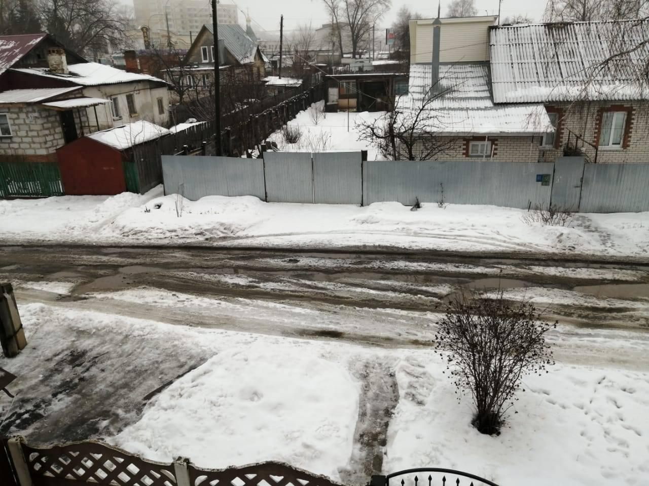 Тамбовчане уже 17 лет просят отремонтировать дорогу по улице Усиевича