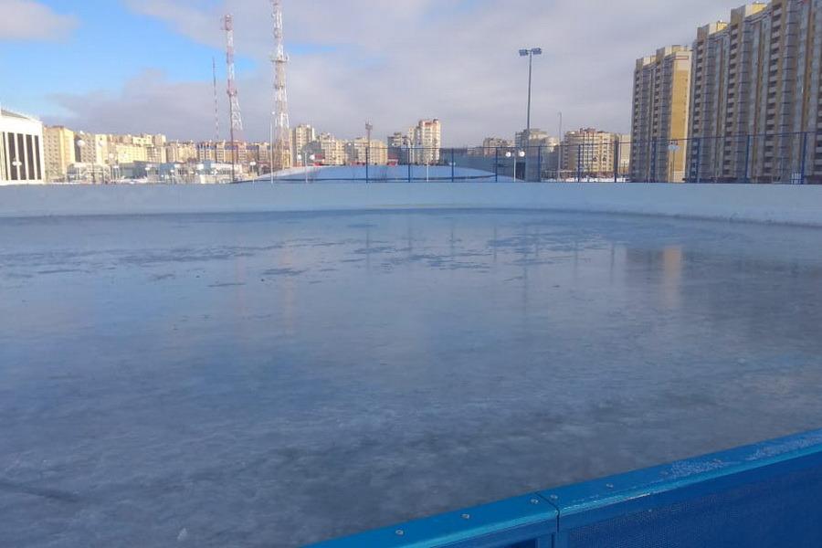 В Олимпийском парке залили каток