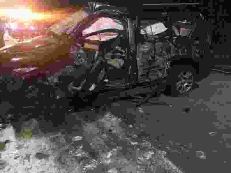 """В Тамбовской области при выезде с заправки Toyota Land Cruiser врезался в """"КамАЗ"""": водитель в больнице"""