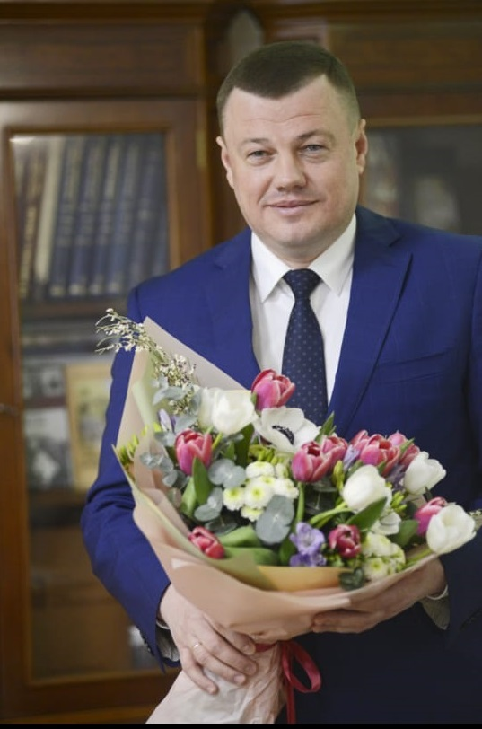 Александр Никитин поздравил тамбовчанок с 8 Марта