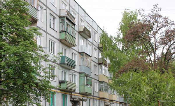 В многоэтажке на улице Дегтярёва лишь спустя год появилась горячая вода