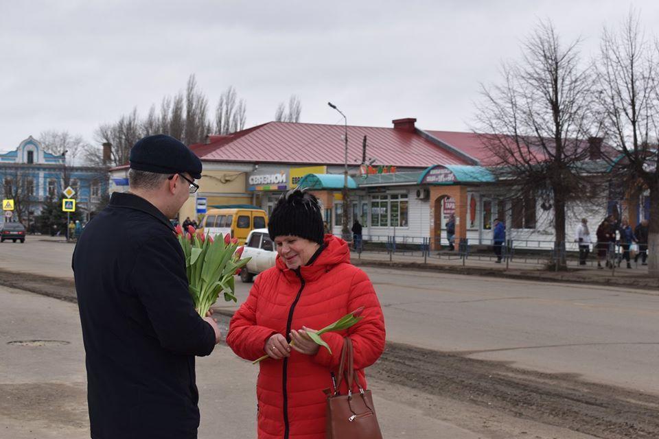 """В Моршанске депутаты провели акцию """"Все для тебя"""""""