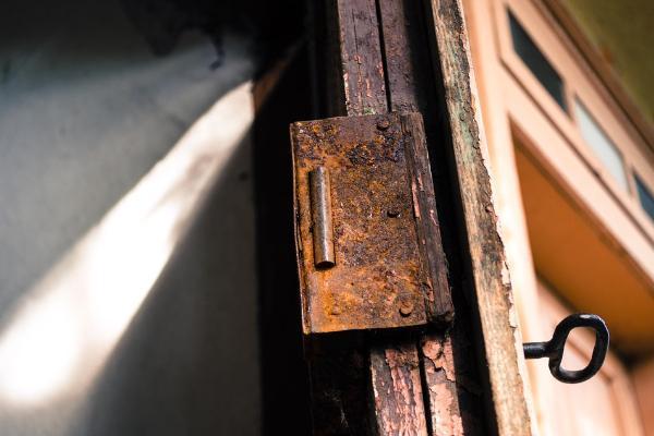В подвале многоквартирного дома в Мичуринске обнаружили тело мужчины