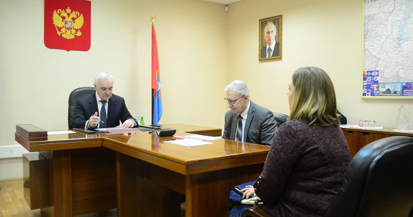 ВТамбове личный приём граждан провёл заместитель полпреда вЦФОМурат Зязиков