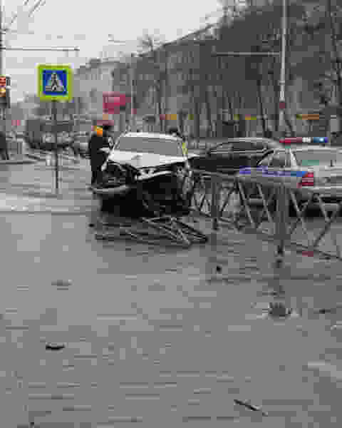 В Тамбове на перекрёстке Советской и 1-ой Полковой произошло очередное ДТП