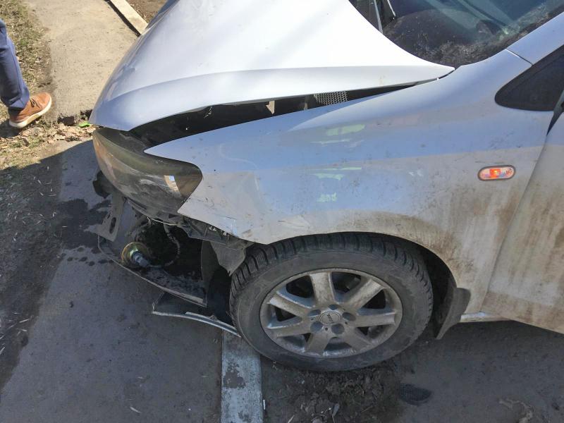 В Тамбове столкнулись две легковушки, есть пострадавшие