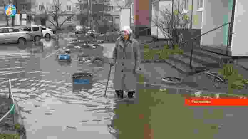 Весной по улицам «плывут» рассказовцы
