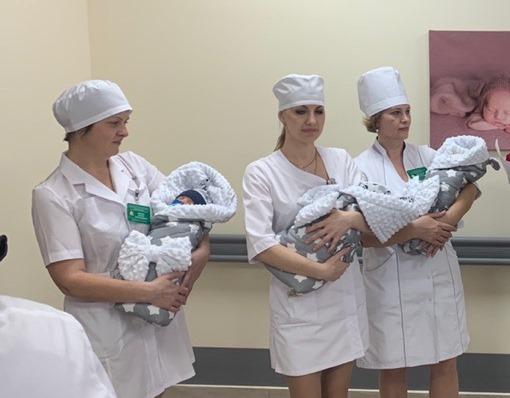 Родители тройняшек, родившихся в Тамбове зимой, получат 3,6 млн рублей на жильё