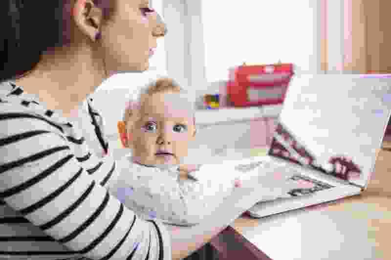 Тамбовский соцстрах будет выплачивать пособие по уходу за ребенком до 1,5 лет в плановом режиме