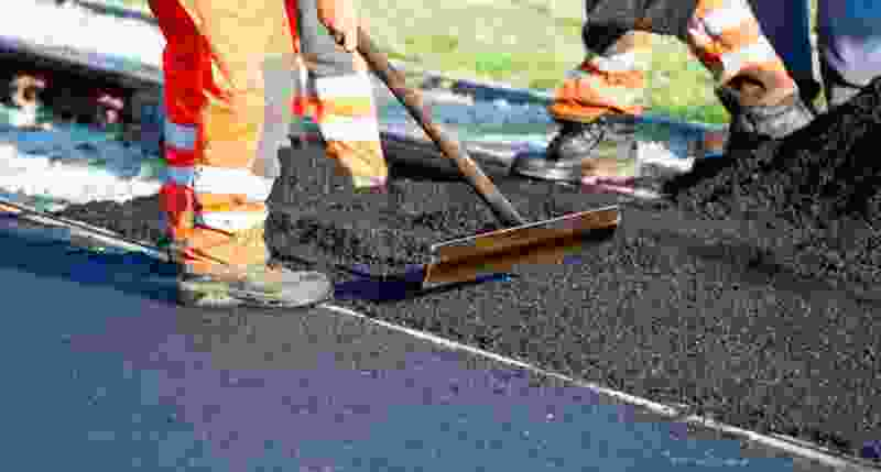 В Покрово-Пригородном начался плановый ремонт дороги