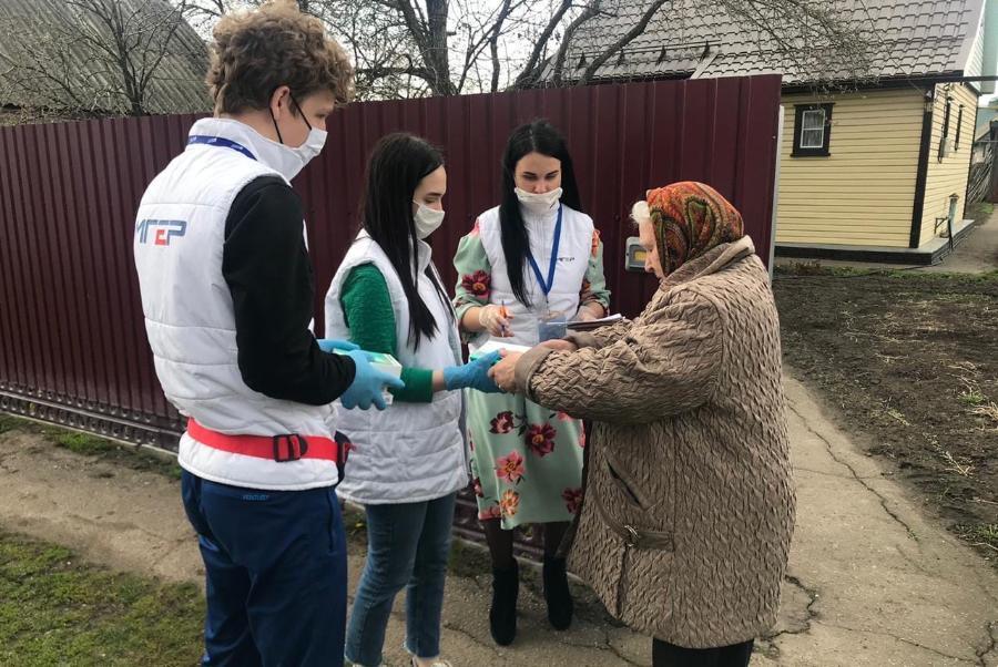 Волонтеры Моршанска помогают пожилым людям на самоизоляции