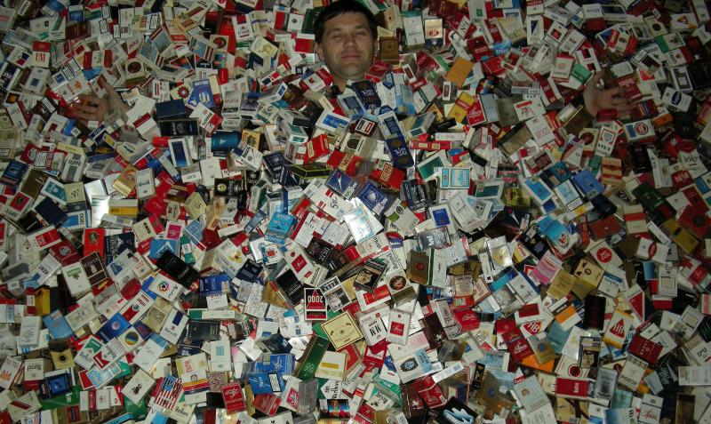 Житель Мичуринска украл из магазина сигарет на 14 тысяч рублей