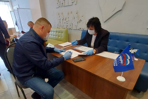 Александр Никитин принял участие в предварительном голосовании в Мичуринске