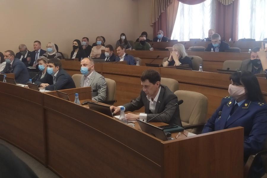 Депутаты Тамбовской гордумы не поддержали увеличение платы за рекламные конструкции, но рекламщики считают, что успокаиваться рано