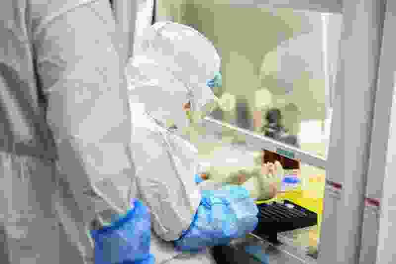 Количество заболевших коронавирусом в регионе достигло 2400 случаев