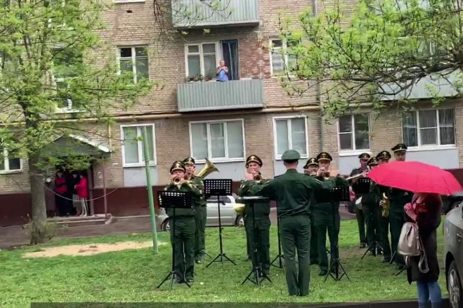 Обзор за неделю: продление режима самоизоляции, военный парад для ветерана, монопробег из Тамбова в Котовск