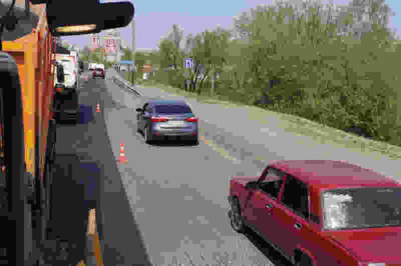 Поздней ночью в Тамбове во время ремонта Рассказовского шоссе сгорела дорожная техника