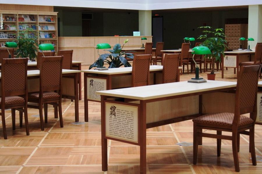 Пушкинская библиотека переходит на летний режим работы