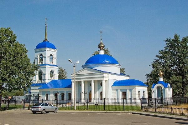 Суд возвратил заявление о самовольно установленном церковью заборе