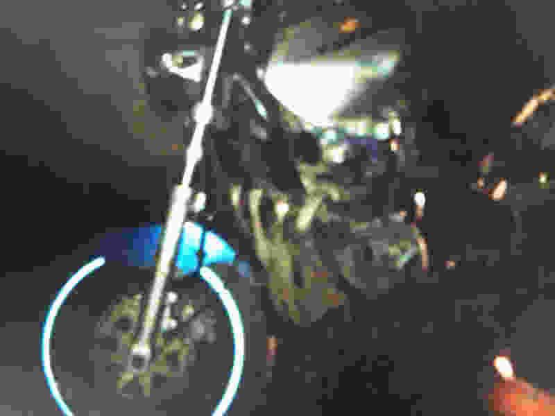 В Тамбовской области на День Победы мотоциклист врезался в машину и перевернулся: он госпитализирован
