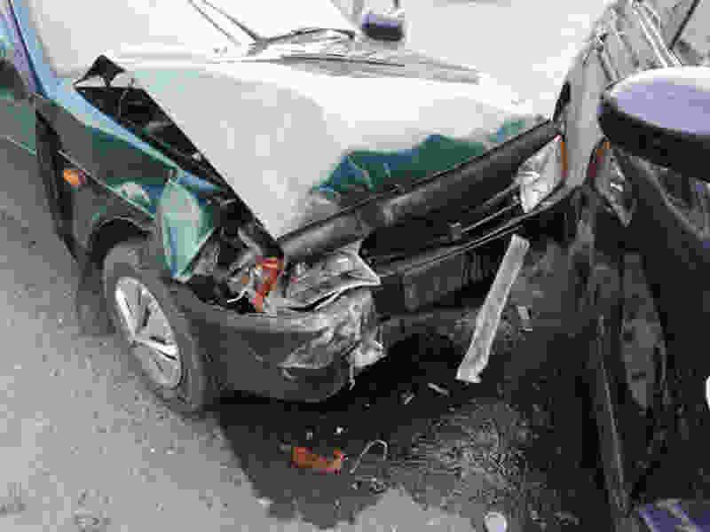 В Тамбовской области женщина за рулём иномарки при повороте врезалась в «Ладу»: есть пострадавшие