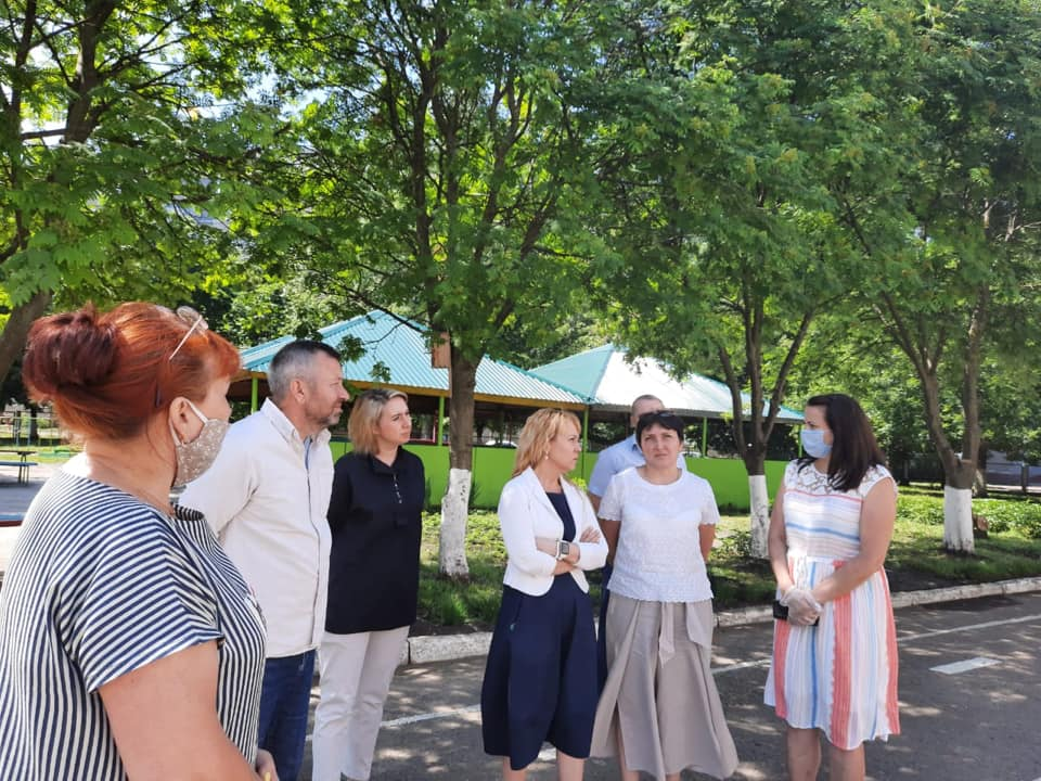 Глава Тамбова проверила ход ремонтных работ в учреждениях образования