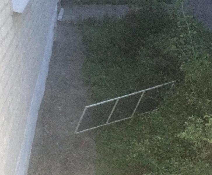 Из окна тамбовской «инфекционки» выпала 3-летняя девочка