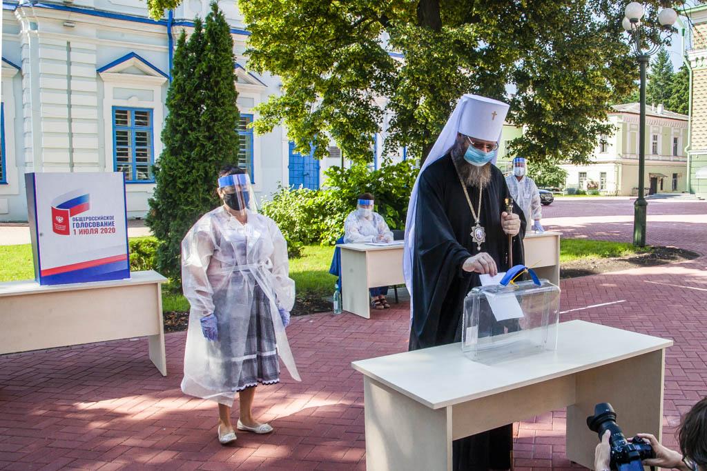 Митрополит Тамбовский и Рассказовский Феодосий приняли участие в голосовании по поправкам к Конституции