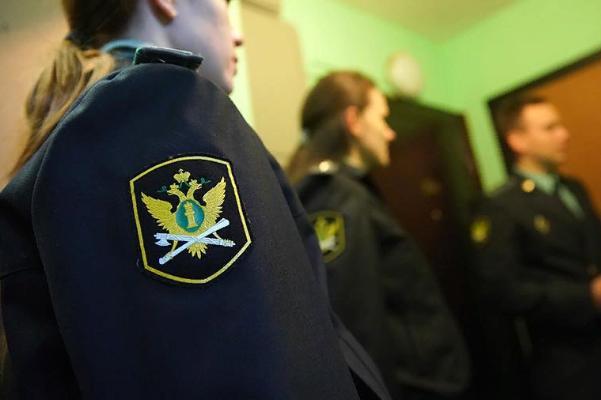 Тамбовчанин задолжал по налогам и штрафам ГИБДД более 260 тысяч рублей