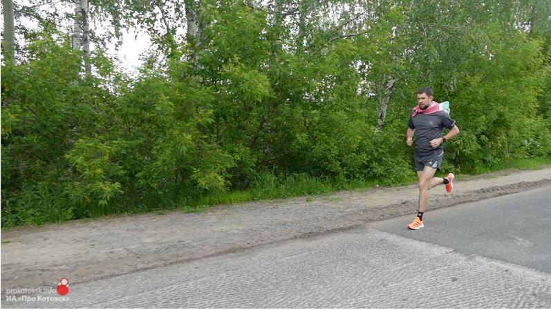 Уроженец Котовска в честь юбилея Победы пробежал дистанцию из моногорода до Тамбова и обратно