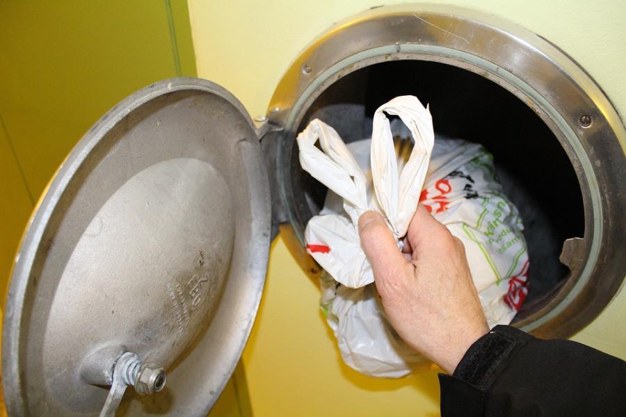 В многоквартирных домах могут исчезнуть мусоропроводы