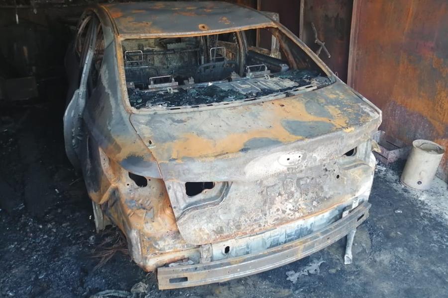 В Рассказово в гараже сгорела иномарка