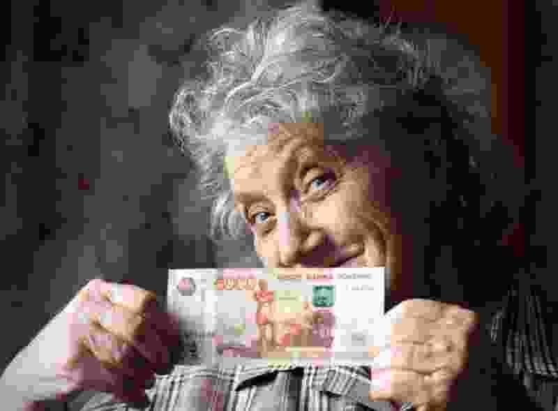 В Тамбове пенсионерка пыталась расплатиться в супермаркете фальшивыми купюрами