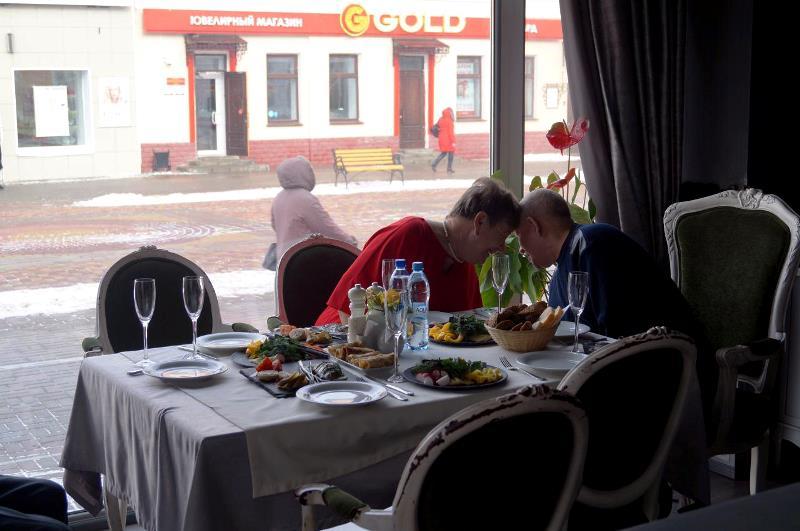 В Тамбове за 32 млн рублей продают бывший ресторан «Кардинал» вместе с летней площадкой и мебелью
