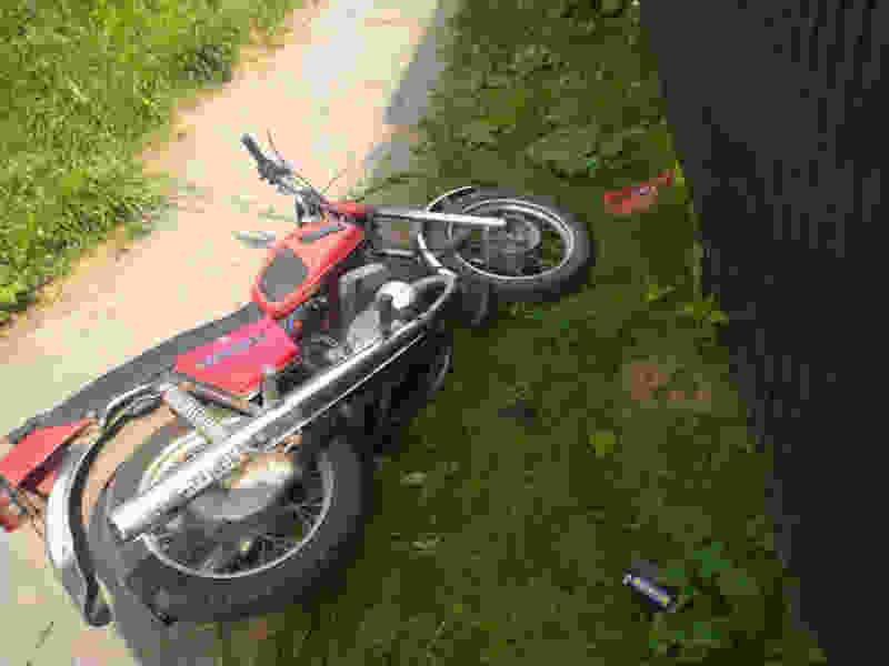 В Тамбовской области подросток на мотоцикле без прав сбил пенсионерку: она госпитализирована