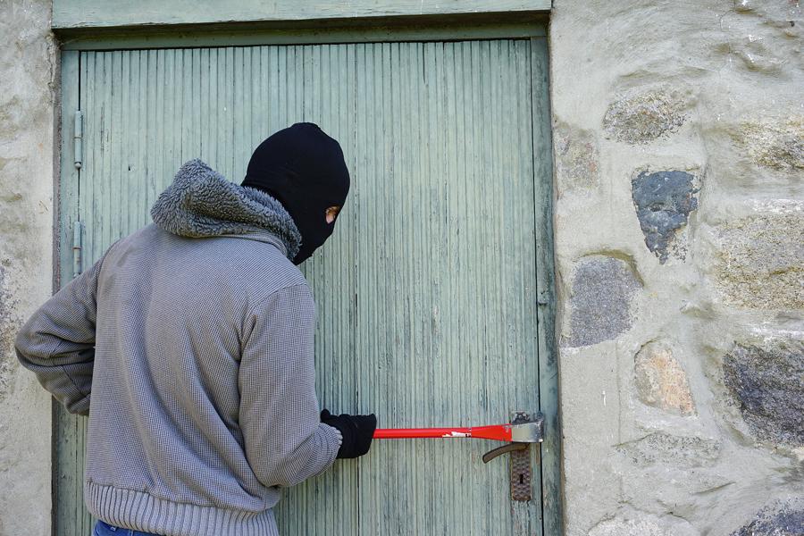 Житель поселка Первомайский совершил кражу со стройки