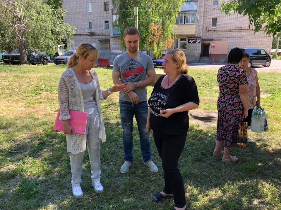 Глава города Тамбова посетила проблемные дворовые территории