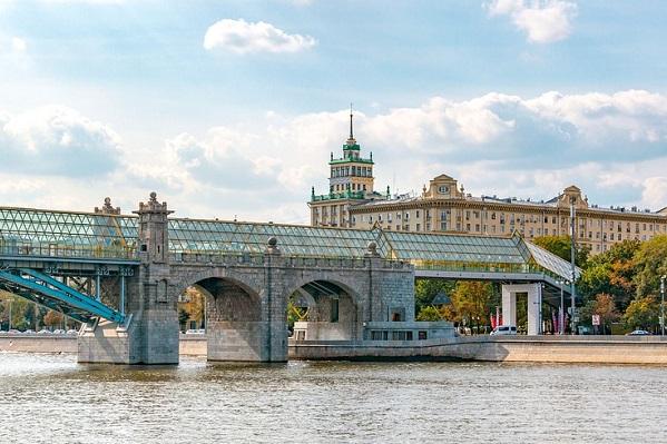 Названы самые бюджетные направления для путешествий по России в августе