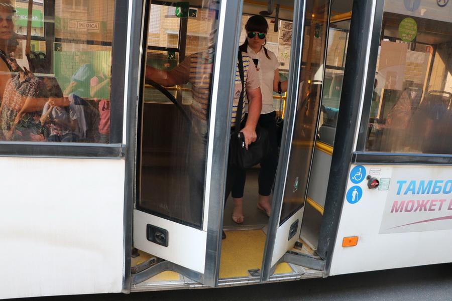Пассажир в автобусе Тамбова выслушал мат от кондуктора