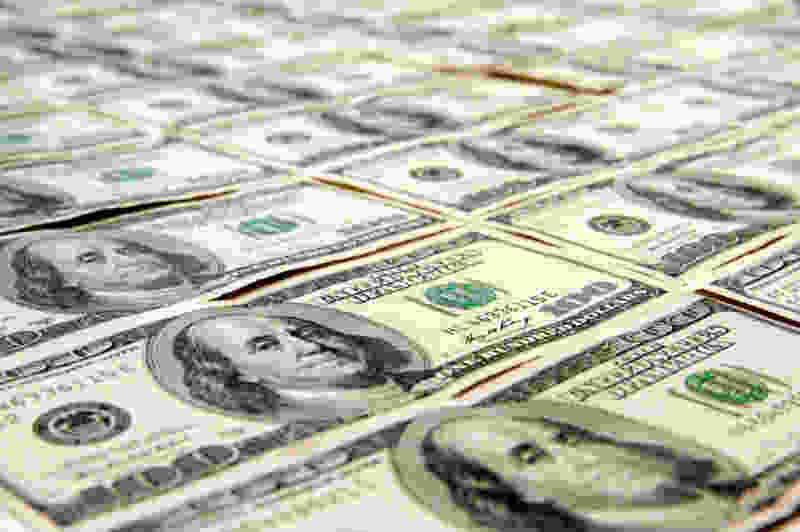Пожилая тамбовчанка перевела мошенникам две тысячи долларов, чтобы спасти сына от тюрьмы