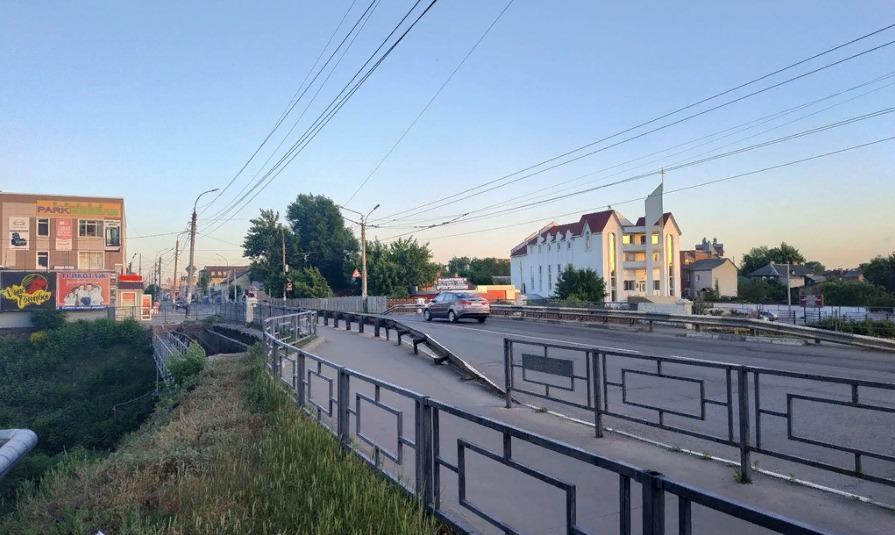 С 14 июля запретят движение через мост на Базарной