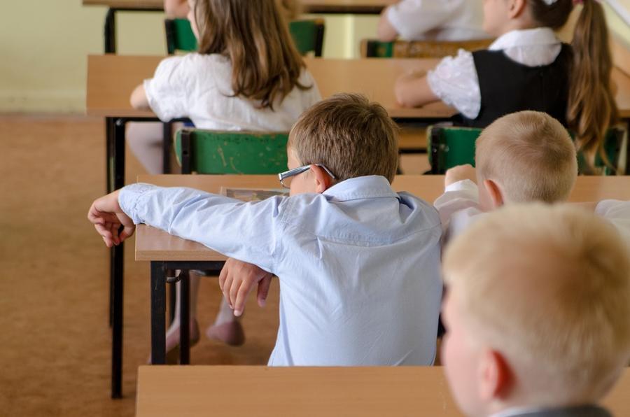 Школьники начнут учебный год в традиционном формате