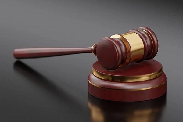 Тамбовчанке вынесен приговор за избиение полицейского