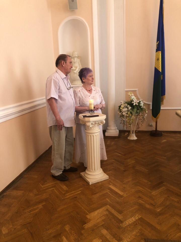 """Три семьи из Тамбова награждены медалью """"За любовь и верность"""""""