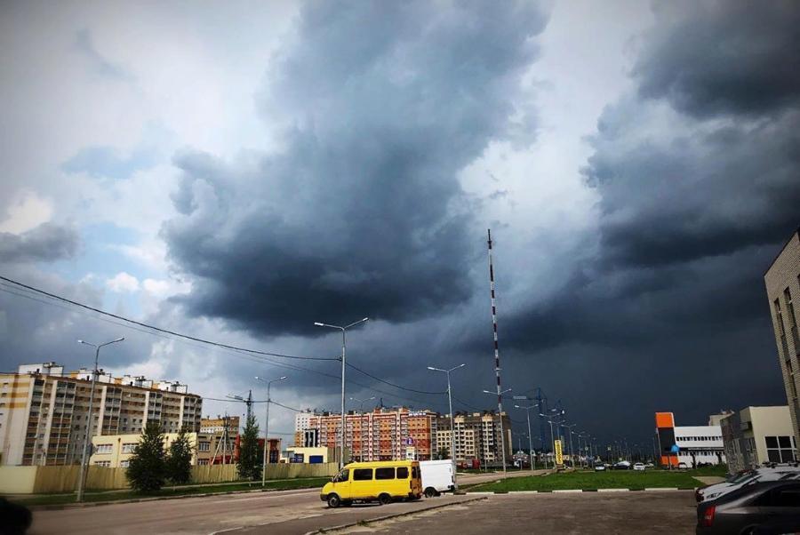 В Тамбовской области ожидается гроза и сильный ветер