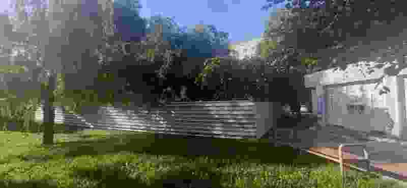 Жильцам дома №131 на Чичканова выделят 1500 квадратных метров на зелёную зону